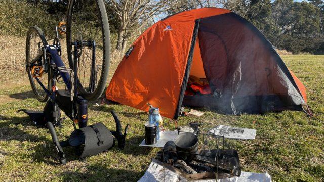 バイクパッキングで冬のソロキャンプ